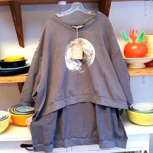 NWTO,Magnolia Pearl FRANCIS OZZY MOON sweatshirt